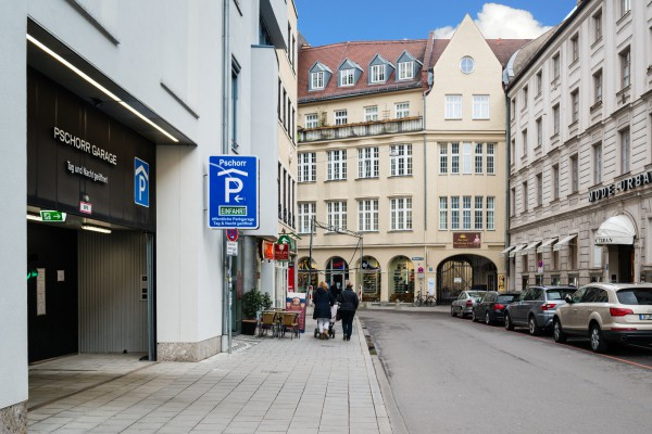 Kanzlei Mayerhöfer Miesbach | Altheimer Eck 13, 80331 München